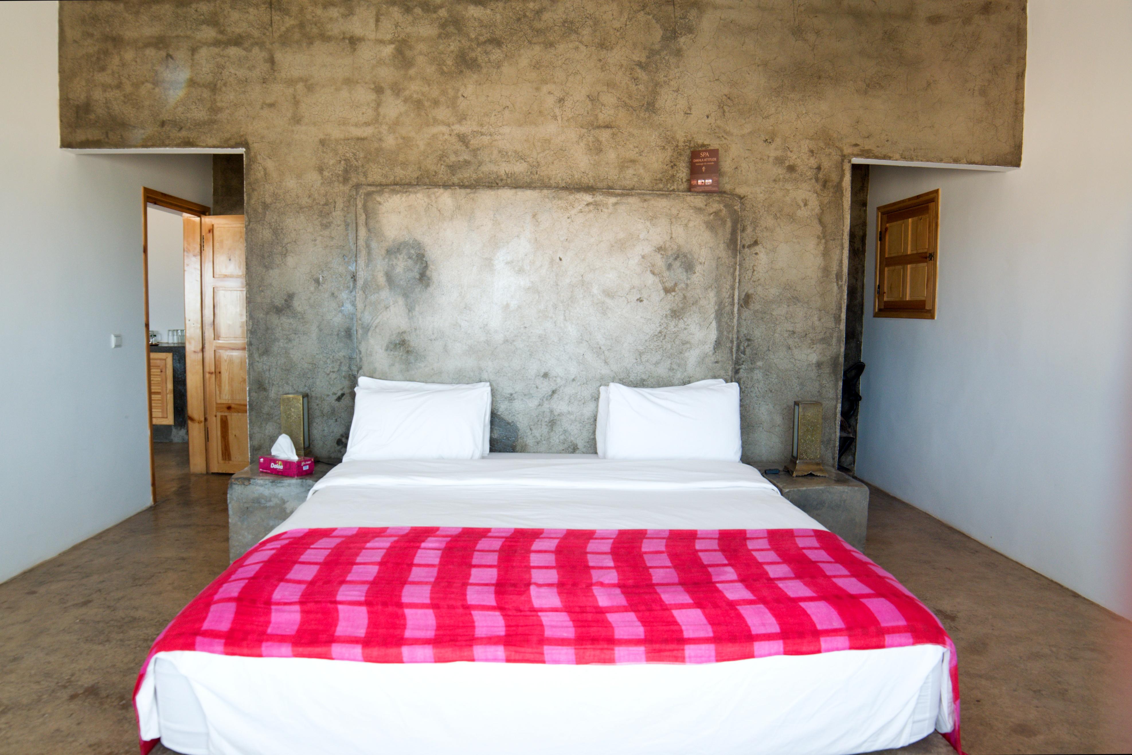 Dakhla attitude VIP luxury boutique hotel camp surf Sahara king-size bed