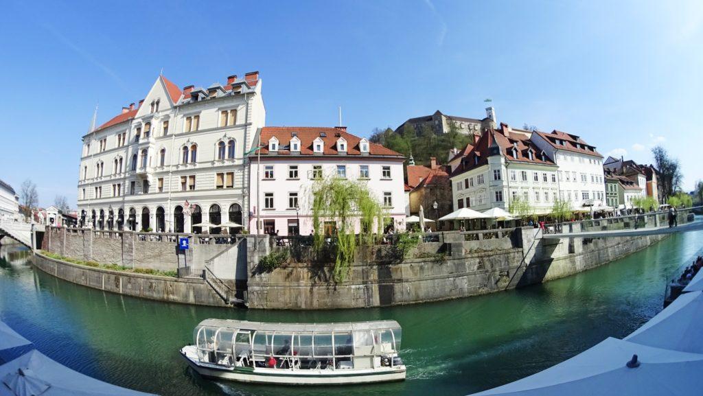 Girls enjoying stand up paddle in Ljubljana