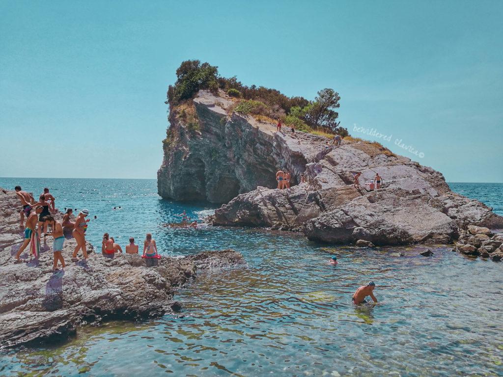 Hawaii Budva cliff jumping kissing couple water underwater montenegro