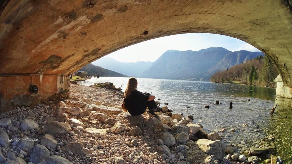Pod mostem przy jeziorze Bohinjsko