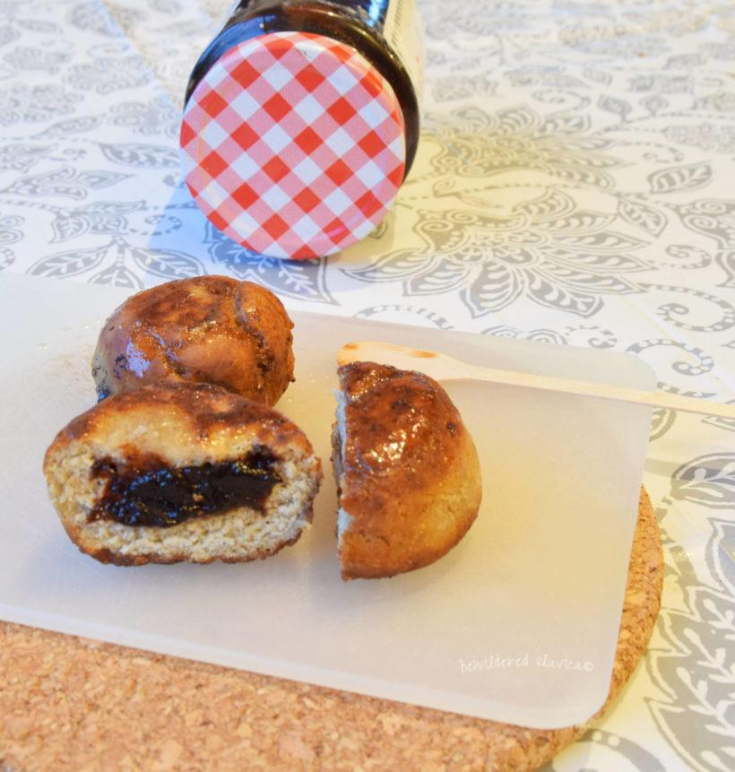 dietetyczne pączki bez gluteny mąki pszczennej ziemniaczane pekmez krofne donuts recept przepis dieta cukier cukru celiakia jęczmienna razowa powidła domowe podravka