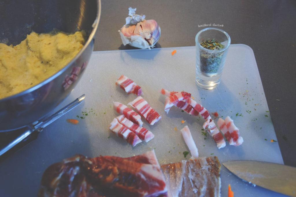 placki ziemniaczane pancakce poatatoes krompir palacinke slanina boczek bacon fried mushroom sos grzybowy jak zrobic pyzy przepis słowiańskie