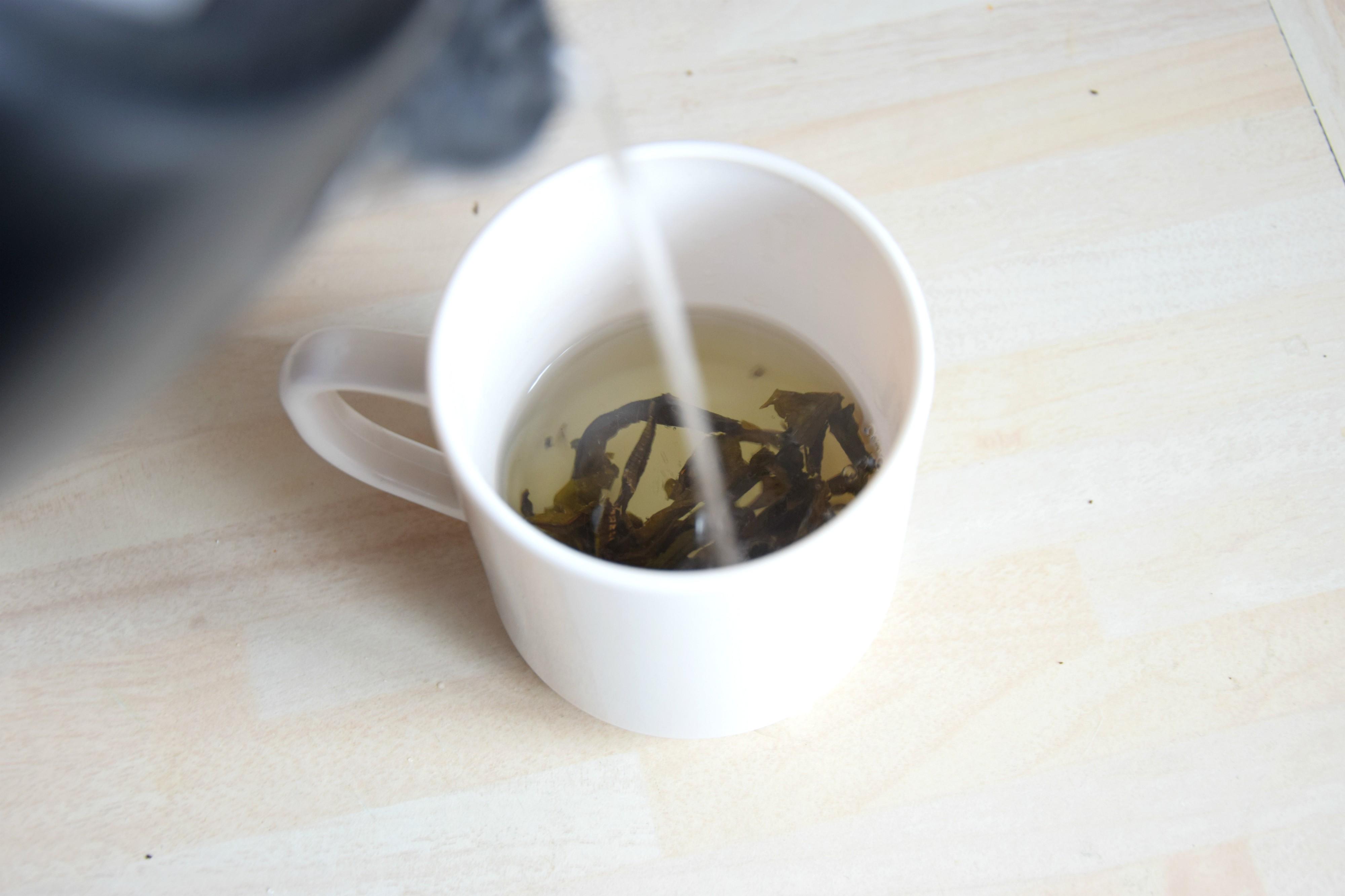 Słowiański Iwan czaj lepszy herbaty cejlońskiej.