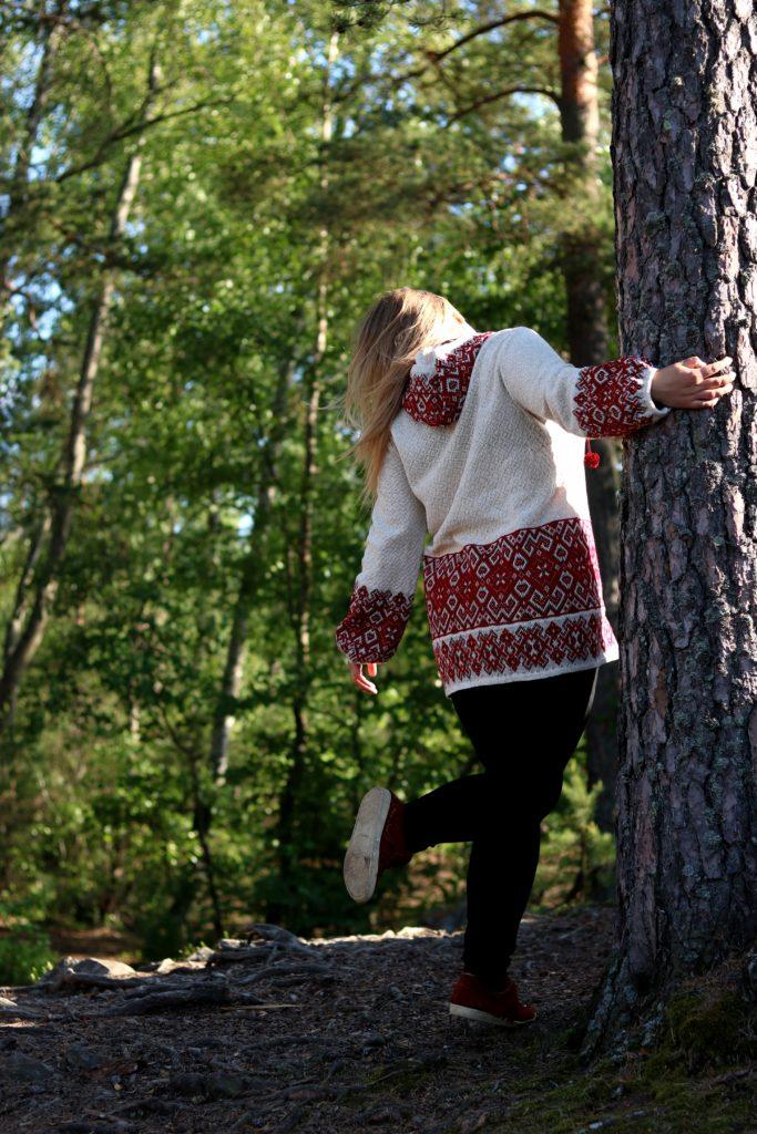 roduslava slavic girl słowianka slavica blonde blondynka polka las w lesie zlasowani leśny człwiek rower