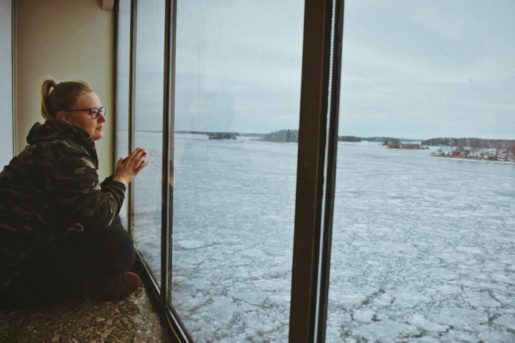 viking cruise birka stena line rejs prom ferry party hen bachelorette polish girl blogger bałtyk baltic window view