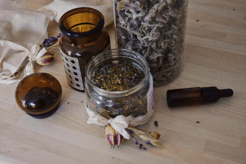 Moja herbatka uspokajająca: lawenda, rumianek i melisa