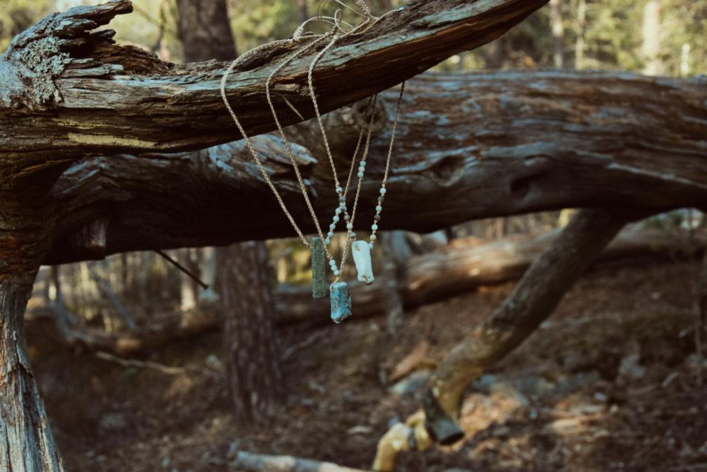 kamienie naturalne larimar naszyjnik handmade plener słowiańska biżuteria
