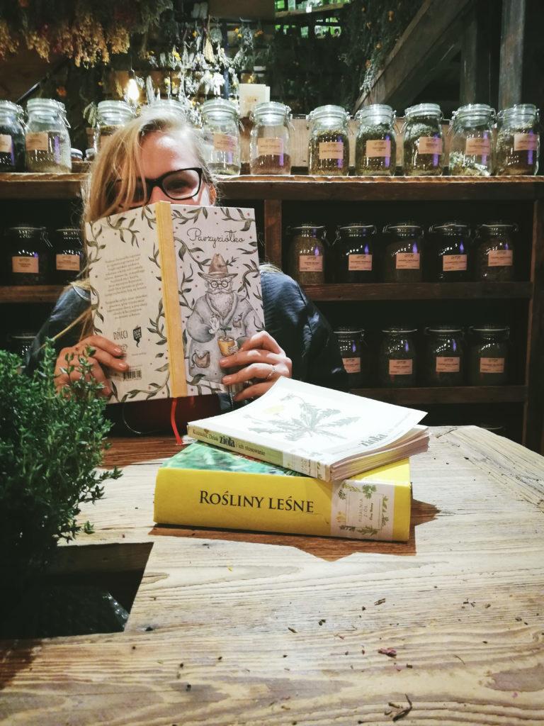 pijalnia ziół dary natury warszawa parzyziółko doktor bewildered slavica słowianka blogerzy polscy influencer herbal witch green polish wicca lavic pagan