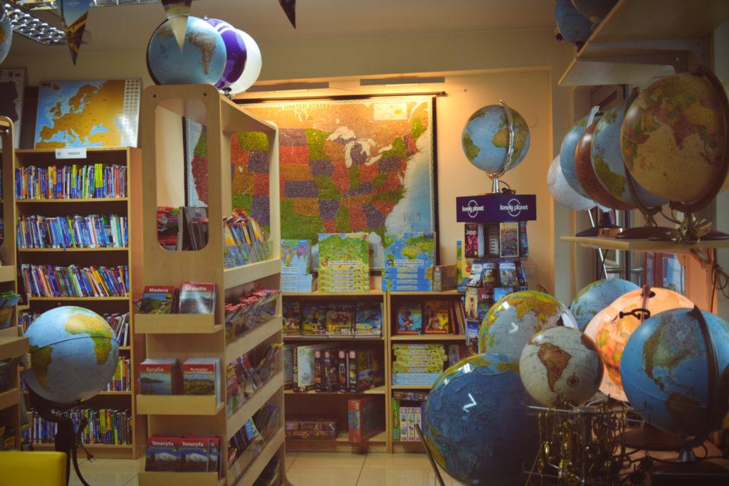 arttravel art travel księgarnia warszawa globus lampa lamp globe lonely planet map world mapa świata