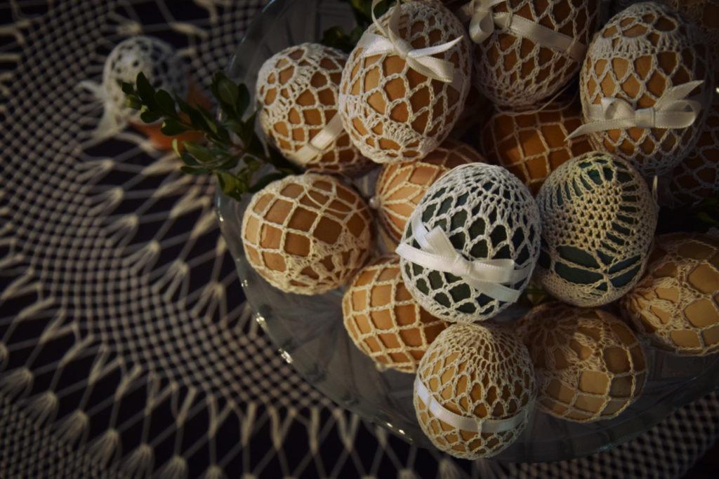 wydmuszki pisanki haft koronka siatkowa rękodzieło jare gody milanówek