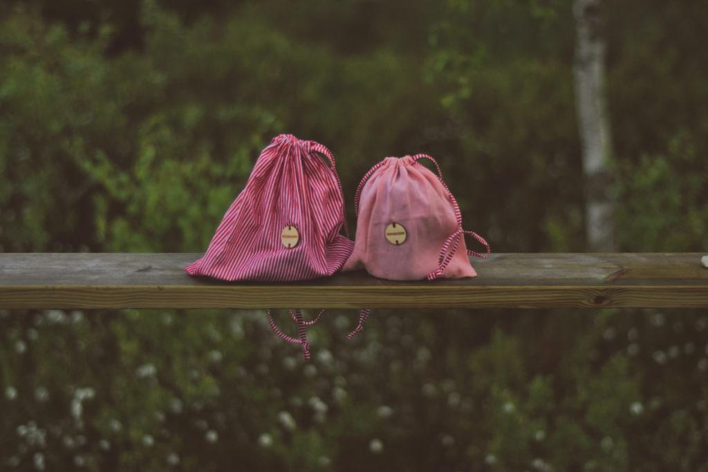 nalewka wielorazowo eko torbywielorazowe reusable handmade cotton bawełniane doughnut outdoor plecak pini syrop sos sok sosna pine pędy pączki miód alkohol rakija palinka wódka