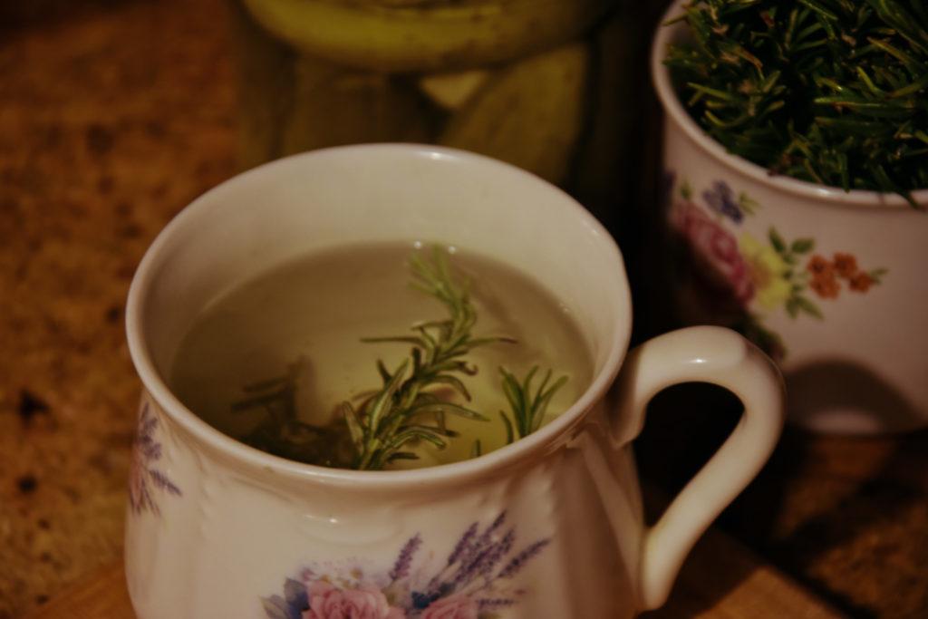 rozmaryn herbata herbatka jesienne herbatki napoje przepisy ivan caj kaszubski wzór wez mnie na wies bewildered slavica napar