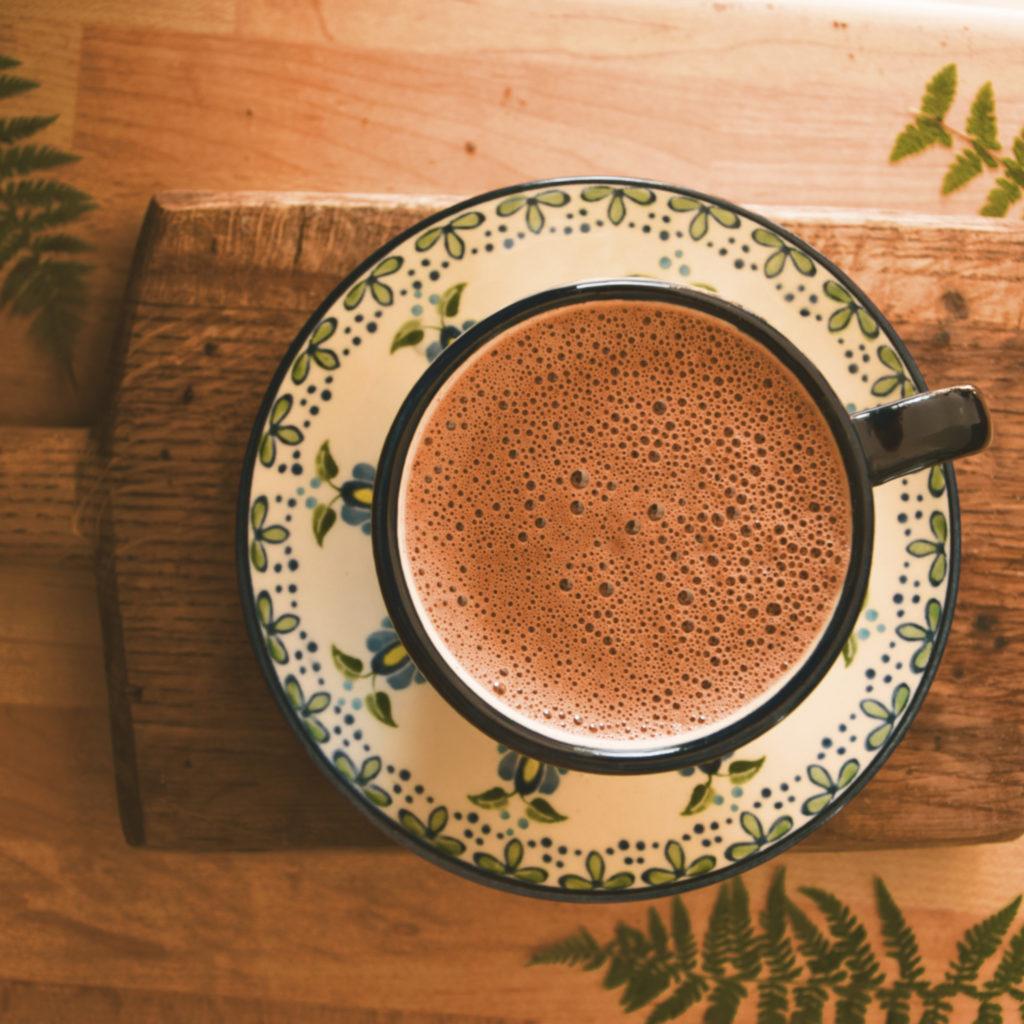 kakao rytualne ceremonialne herbatka jesienne herbatki napoje przepisy ivan caj kaszubski wzór wez mnie na wies bewildered slavica napar przestrzeń ayahuasca plener slavica bewildered