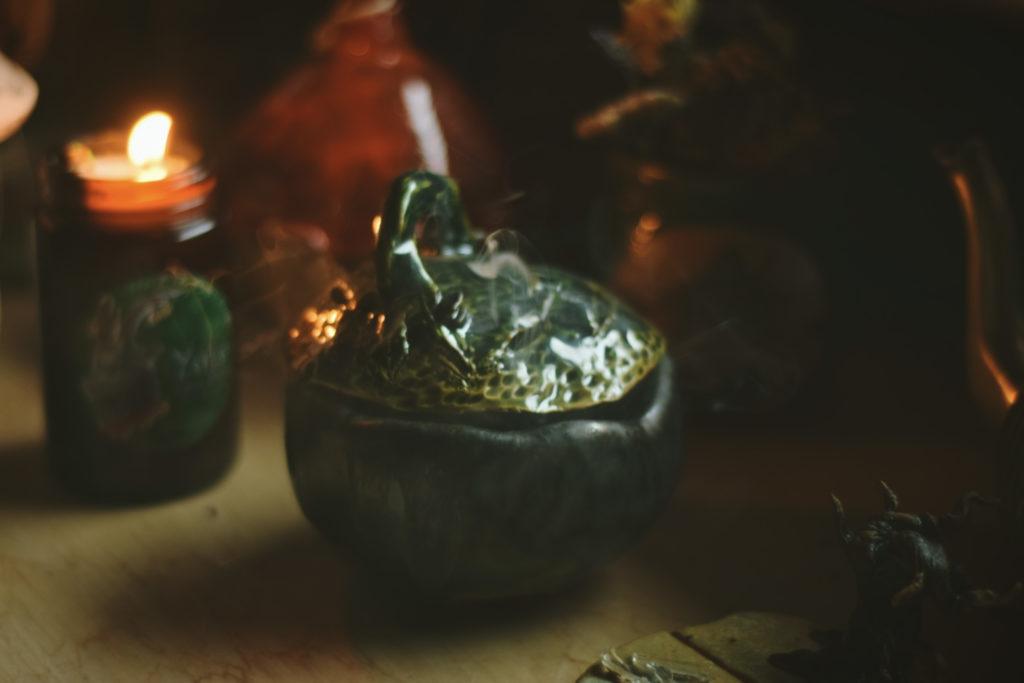 kadzielnica kadzielniczka zioła kadzidło naturalne paranormalia duchowość spoko czarodziejki jak palić seidr ceramika