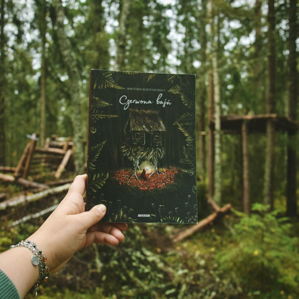 czerwona baśń slavic book książki słowiańskie aniversum wiktoria korzeniewska