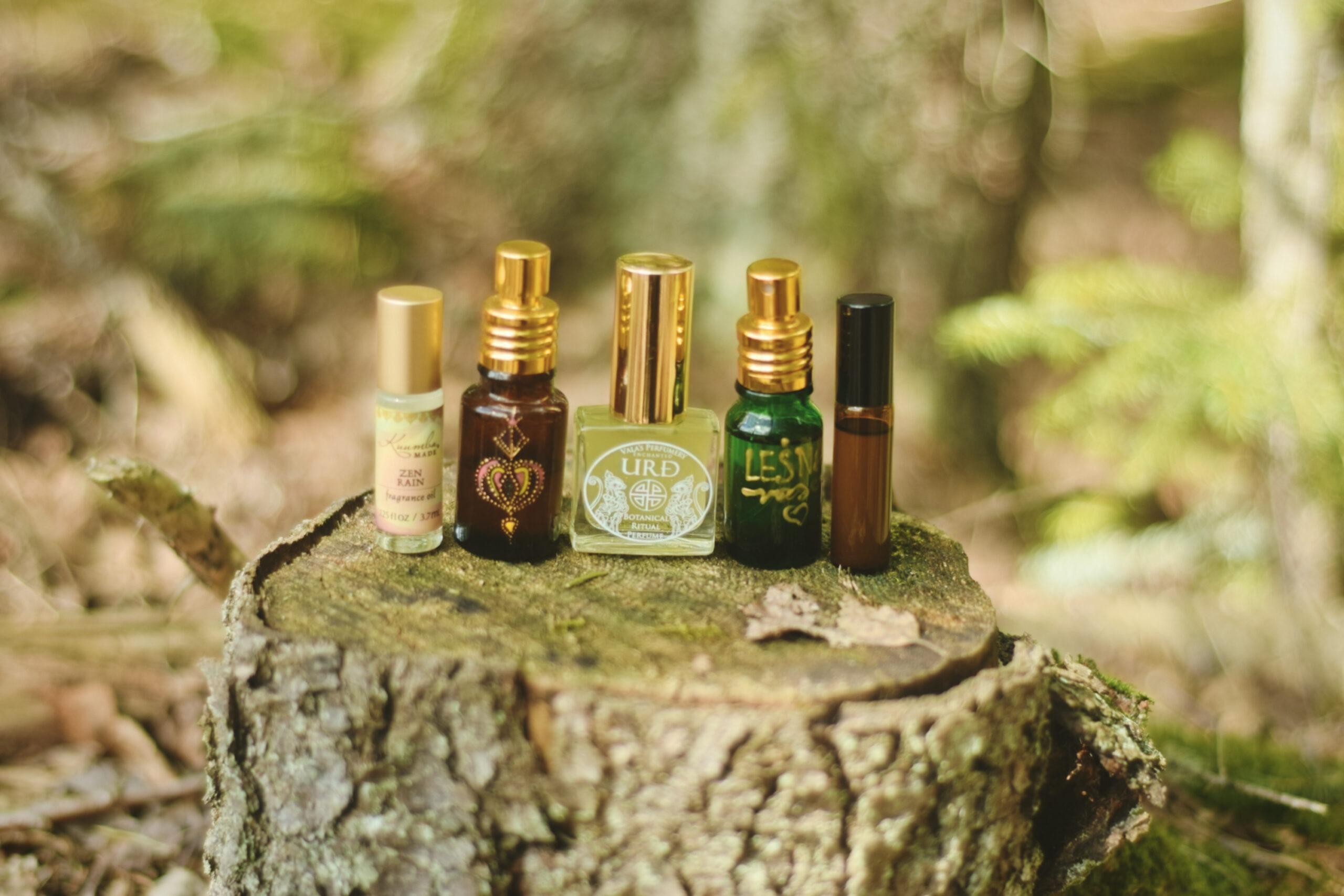 Ziołowe perfumy – pachnące jak chatka szeptuchy