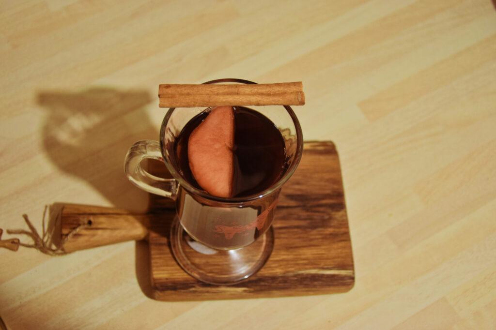 grzane wino piwo babciny przepis metoda receptura swojske napoje alkoholowe miód pity herbata z wkładką