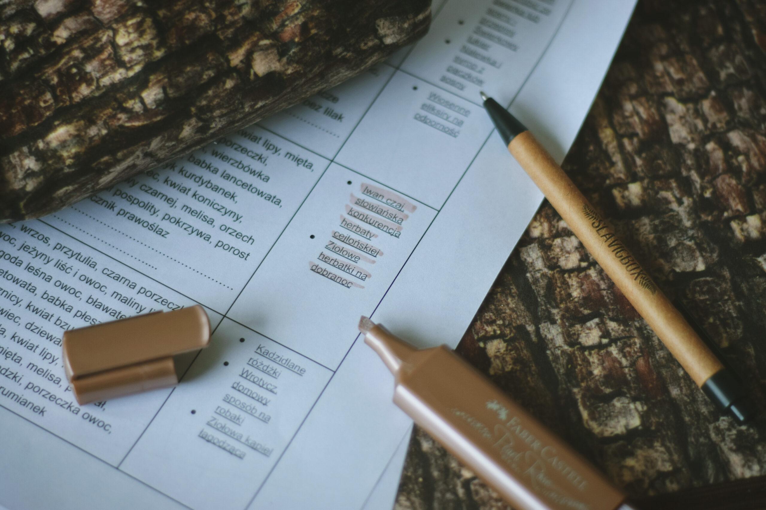 Mini kalendarz zbiorów. Kiedy zbierać pąki, pędy, zioła?